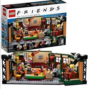 "LEGO Friends ""Central Perk"" Set"